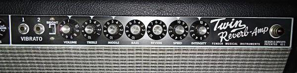 Предлагаем в аренду, прокат гитарный комбик FENDER TWIN REVERB